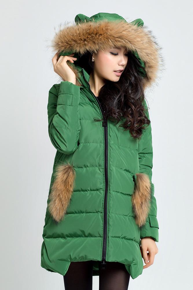 Модный пуховик зеленый
