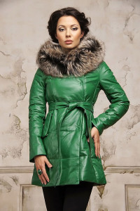 Женский зеленый пуховик